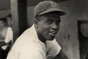 Jackie_Robinson_Signature_Credit_Hulton_Archive_Getty_Lead_tx700